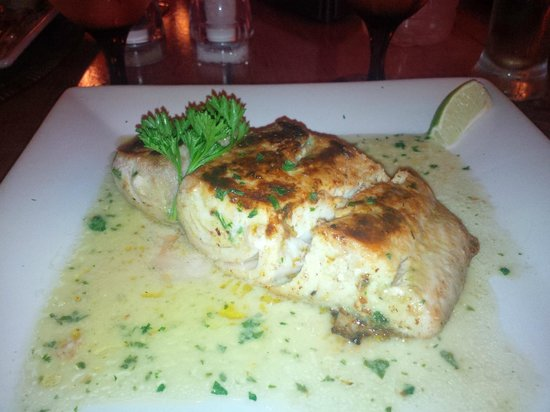 Big Chef Steakhouse: Best slab of Mahi Mahi served during our 2 week holiday on the island ( melt in your mouth stuff