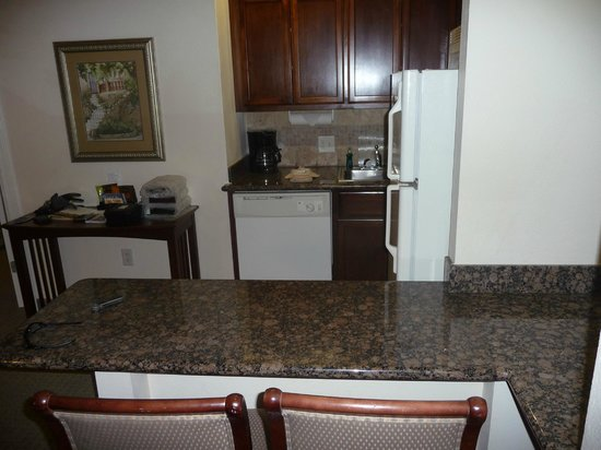 Staybridge Suites San Antonio NW near Six Flags Fiesta Texas: great little kitchen loaded with features