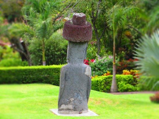 Ringle Resort Hotel & Spa: statue