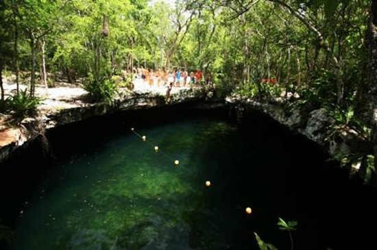 Sian Ka'an Jeep: swim in cenote