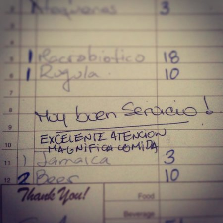 Casabe 305 Bistro: The best compliment! TRANSLATION: Great service, Excellent Hospitality, Magnificent food!!