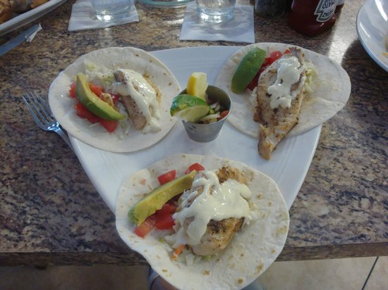 Lobster Lady Seafood Market & Bistro: Fish tacos