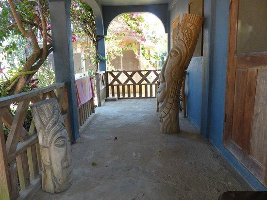 Tutzil Nah Cottages: Porch
