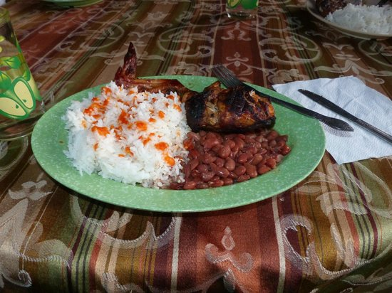 Tutzil Nah Cottages: smoked chicken