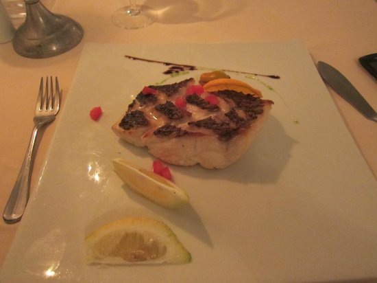 Tantra Restaurant & Lounge : Perfect grilled sea bass