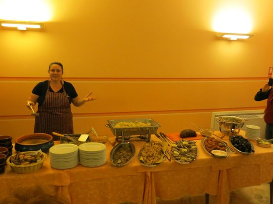 Hotel Primavera: Our chef and the lovely meal she prepared!