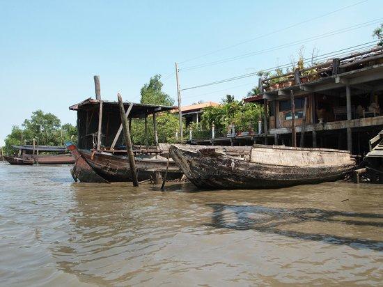 Bang Krachao: Wat Klong Toey Nok pier--don't expect a huge dock!