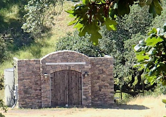 Bennett Valley : Old Rock shed..