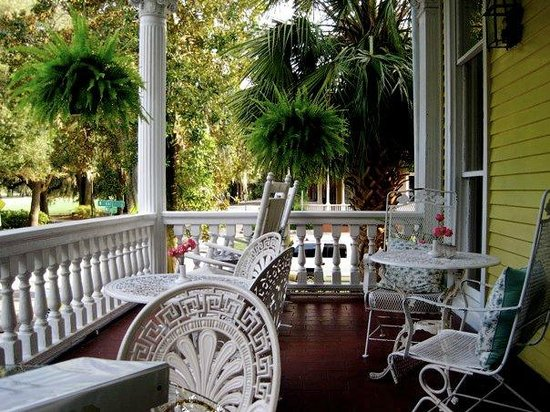 Forsyth Park Inn: The perfect verandah