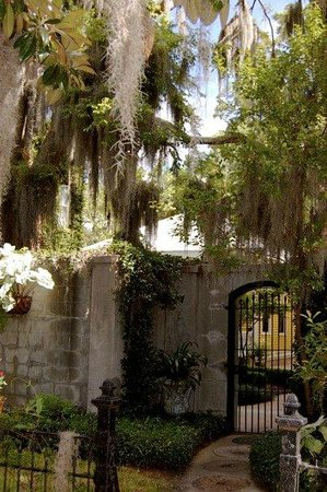 Forsyth Park Inn: The Secret Garden