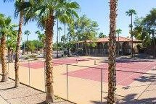 Hospitality Suite Resort: Tennis Courts