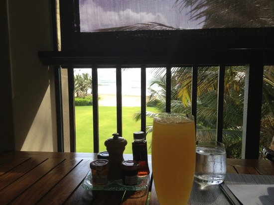 The St. Regis Bahia Beach Resort: Breakfast on the porch of Fern