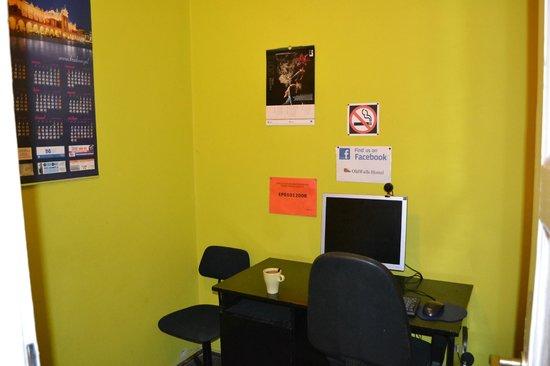 Old Walls Hostel: PC room