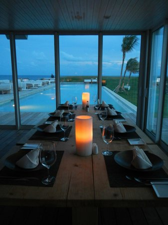 The Cove Eleuthera: Twilight dining