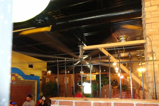 D'Casa Mexican Grill: the giant 20-foot ceiling fan