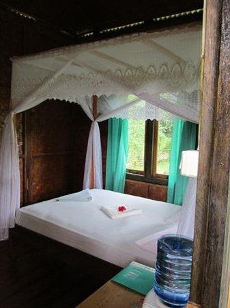 Bunaken SeaGarden Resort: Inside of bungalow