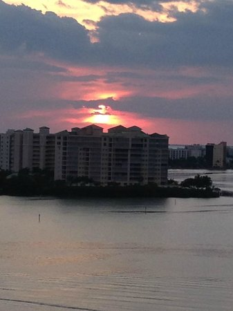 Lovers Key Resort: sunset view from the 12th floor