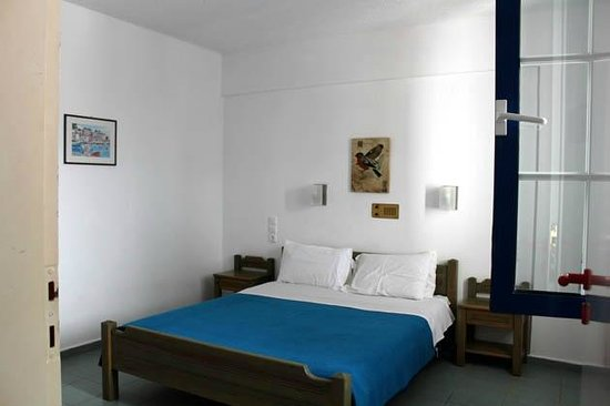 Maistrali Apartments: Bedroom, simple but clean an comfortable