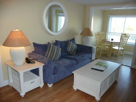 The Breakers on the Ocean: 2 bdrm unit (oceanfront bldg), living room