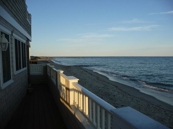 The Breakers on the Ocean: Beach view to the left