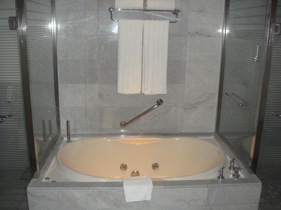 Iberostar Grand Hotel Rose Hall: jacuzzi tub...did not use (read review)