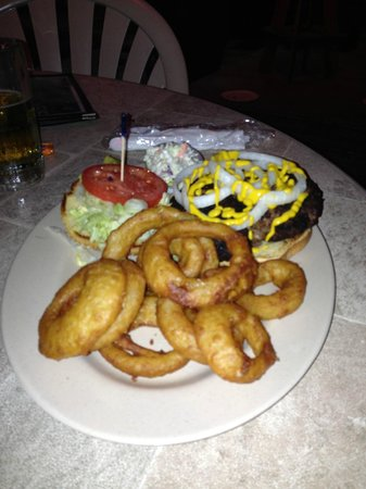 Ocean View Inn and Sports Pub: onion rings