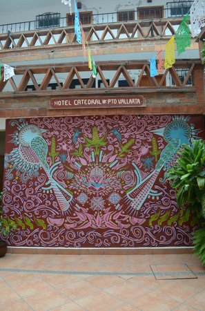Catedral Vallarta Boutique Hotel: Courtyard Mural