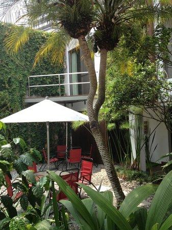 La Inmaculada Hotel: Garden area again