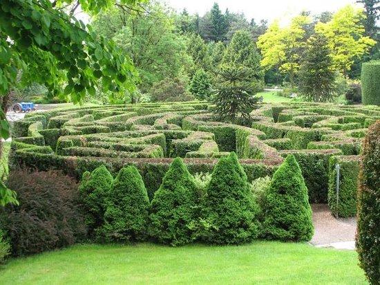 VanDusen Botanical Garden: The Magical Maze