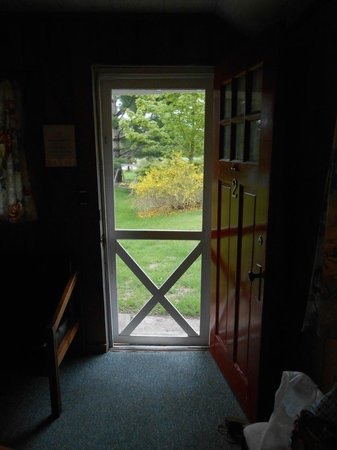 Wayfarer Lodgings : View out the font door- the door and all the windows can be left open