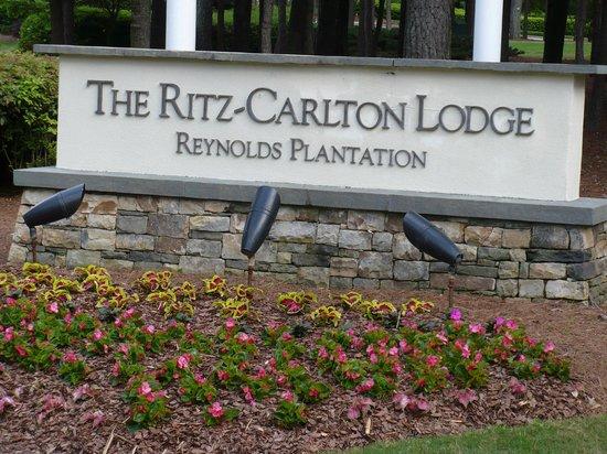 Beachfront - Picture of The Ritz-Carlton Lodge, Reynolds ...