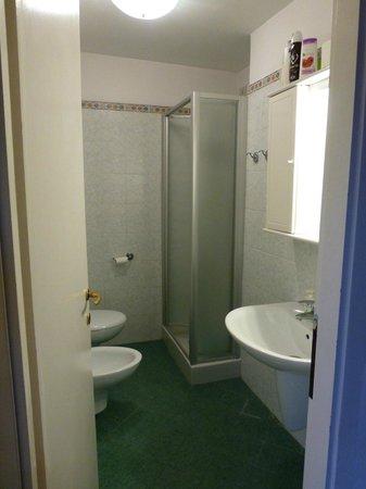 Sarasina: Bath