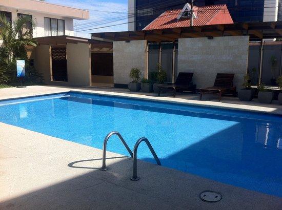 KC Hotel San Jose : piscina