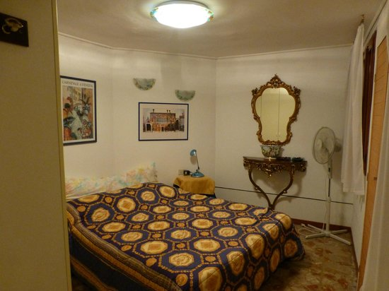 Sarasina: Bedroom