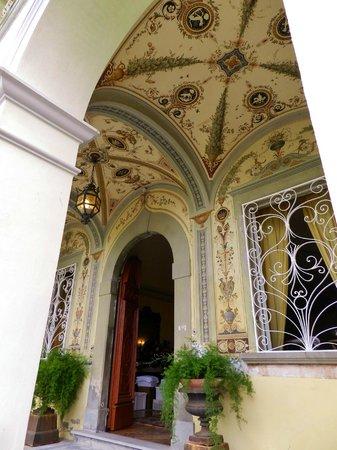 Villa Alta: Hall
