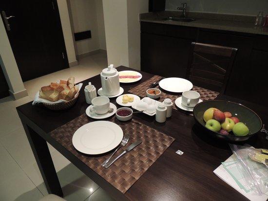Hotel Meg: El desayuno