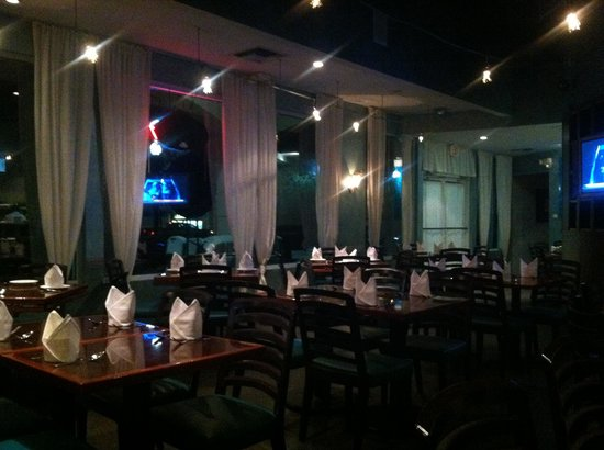 Bluefin Sushi: Dining room