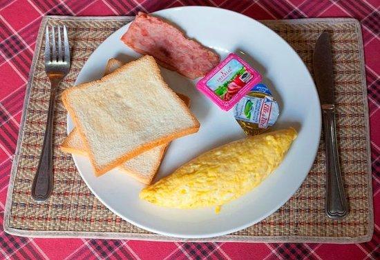 Im Malis Hotel: Breakfast