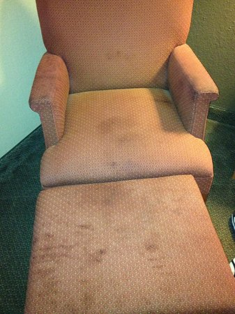 Sleep Inn: stained and dirty chairs
