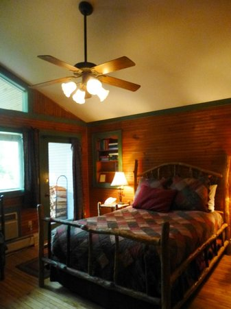 Friends Lake Inn: Cozier