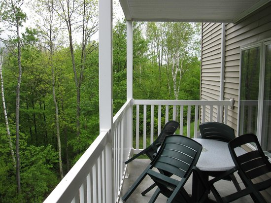 Vacation Village in the Berkshires: Balcony Overlooking Jiminy Peak