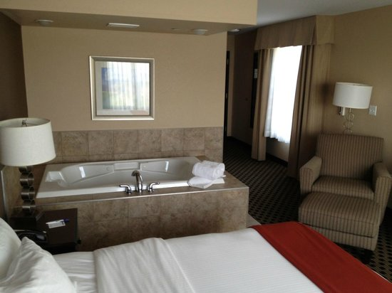 Hotels In Green Bay Wi With Jacuzzi In Room