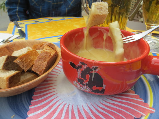 Brasserie 17: Cheese fondue!