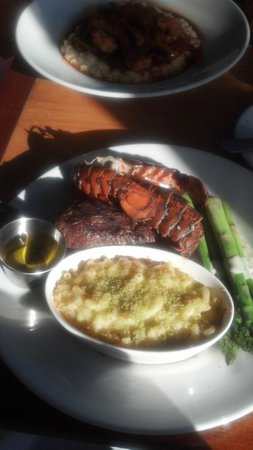 Boathouse: Sirloin and Lobster
