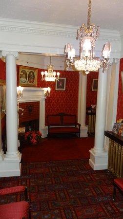 Le Chateau de Pierre: Lobby