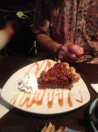 Kaminsky's Most Excellent Cafe : pecan pie delicious!