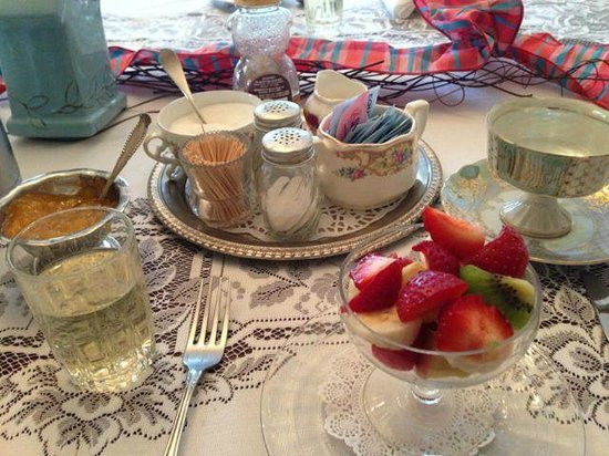 Thompson House Inn : One of our many delicious breakfasts