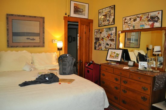 Korner Kottage Bed & Breakfast: The Leelanau Room