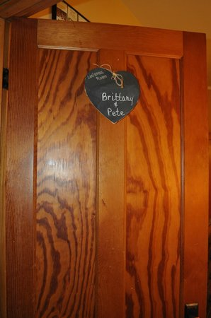 Korner Kottage Bed & Breakfast: Door Sign