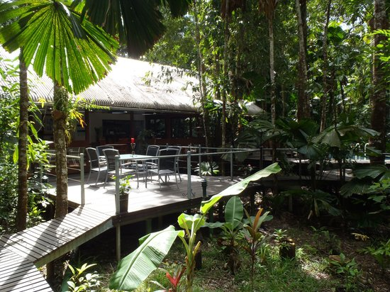 Daintree Wilderness Lodge: Outdoor deck